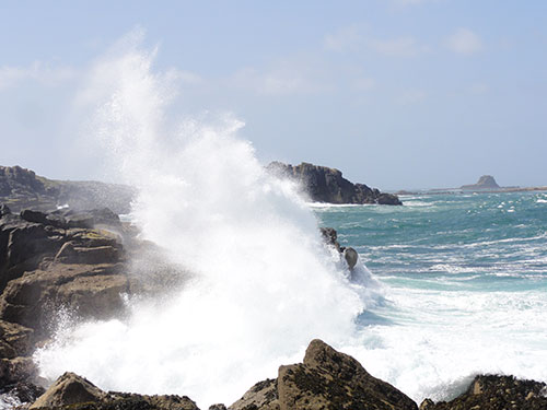 Crashing waves near Soleil D'or Guest House in Isles of Scilly